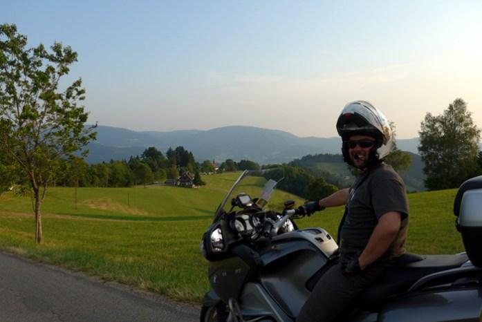 Rota panorâmica da Floresta Negra. Viagem de mota pela Alemanha.
