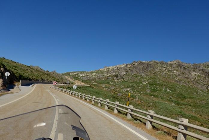 Roteiro de viagem de mota pela Serra da Estrela. Pela N338 Loriga.