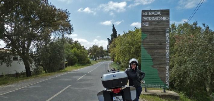 A Rota Património da Estrada N2. Em Castro Verde, Alentejo.