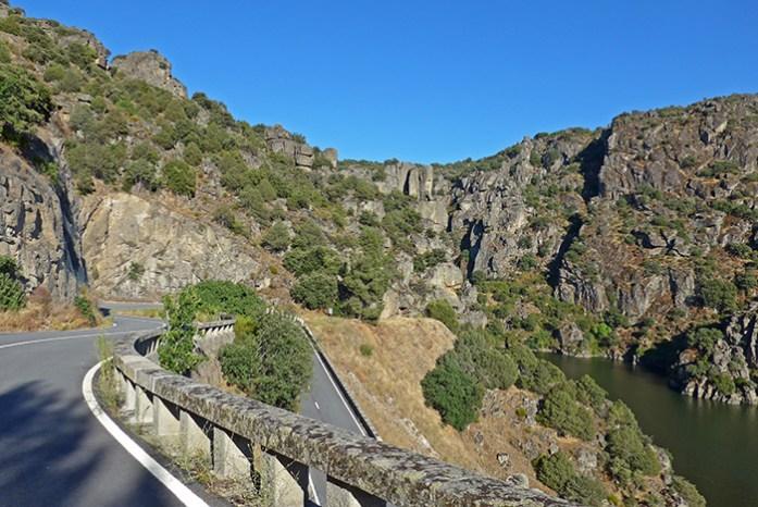 Viagens de moto por Portugal. Pela Rota do Douro Internacional