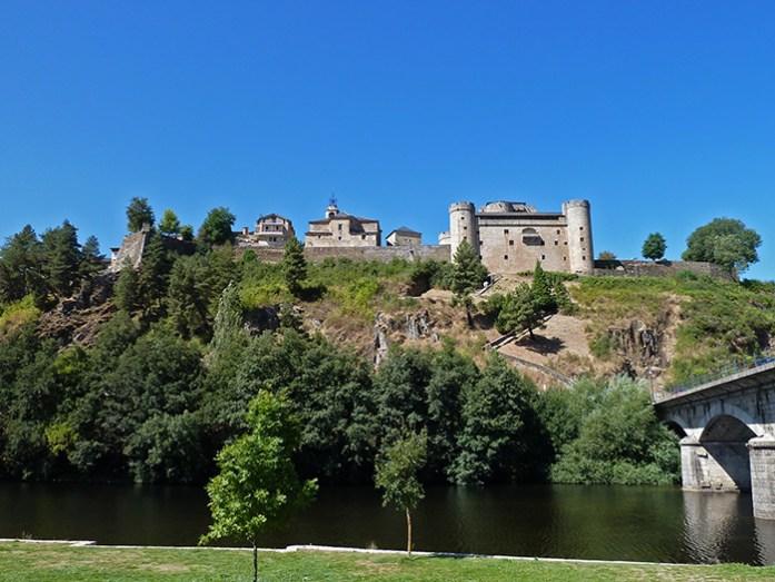 Castelo de Puebla de Sanabria. Parque Natural do Lago de Sanabria.