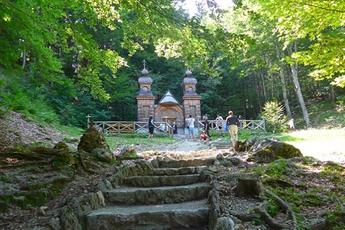 Vršič Pass, Ruska Kapelica. Locais a não perder na Eslovénia.
