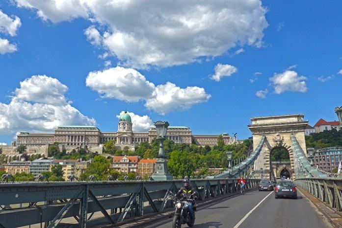 Chain Bridge, a ponte de ligação entre Buda e Peste sobre o rio Danúbio.