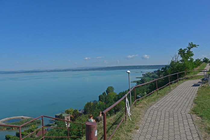 Panorama Kilató. Miradouro em Balatonvilágos. Hungria