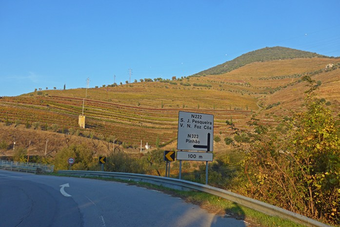 A Estrada N222 entre o Pinhão e a Régua.