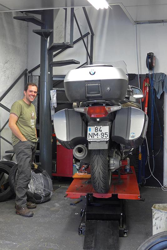 Troca de pneus em Grenoble, Alpes Franceses