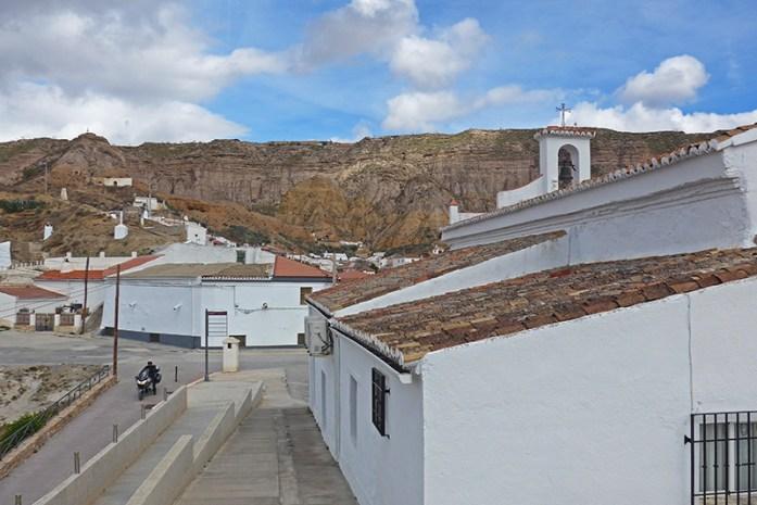 As montanhas da aldeia de Gorafe e as casas das ''cuevas''.