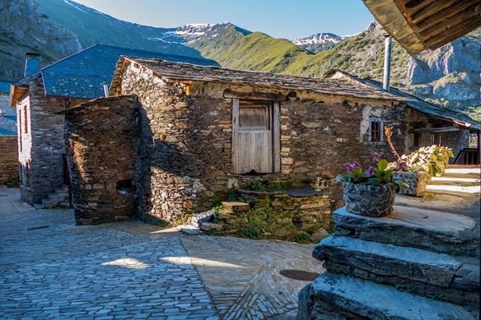 Peñalba de Santiago. valle del silencio