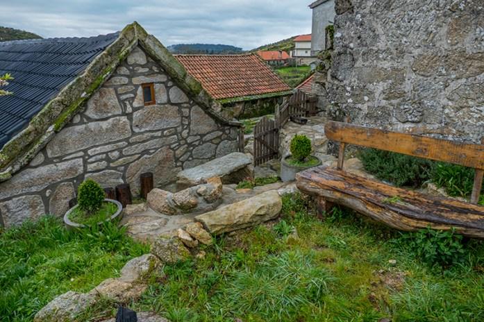 Aldeia de Bobal. Casas de granito tradicionais. Parque Natural do Alvão