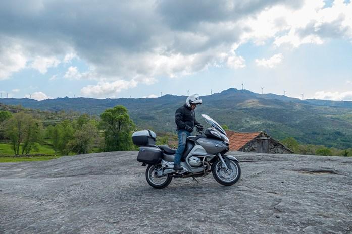 De mota pela Serra de Montemuro