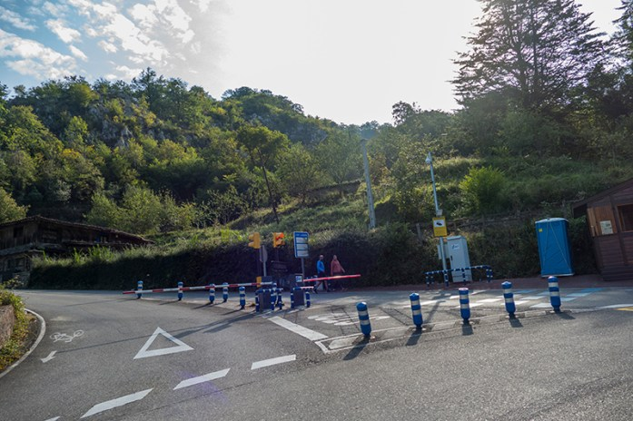 Local onde a barreira impede a subida livre aos Lagos de Covadonga