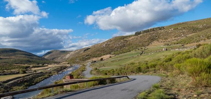 9 Estradas de montanha para andar de mota na Serra de Gredos | Espanha