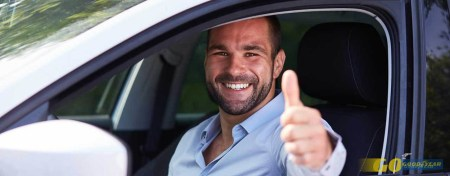 coche-hombre-conduciendo