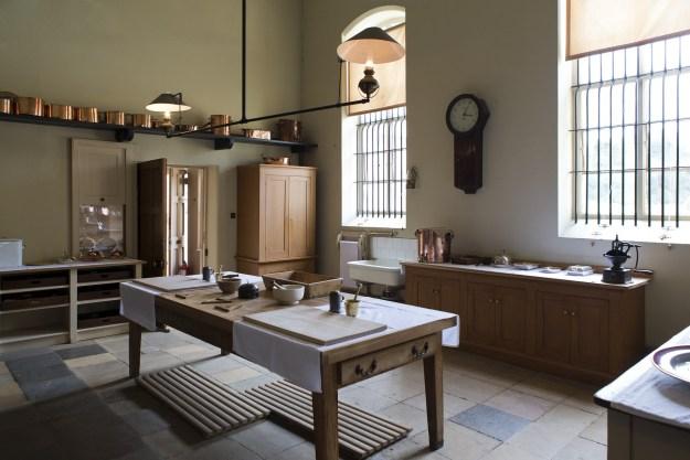 victorian-kitchen-770286_1920