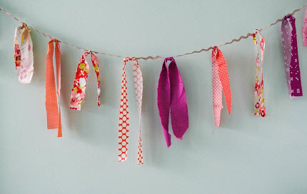 quick tied fabric garland Valentines Day