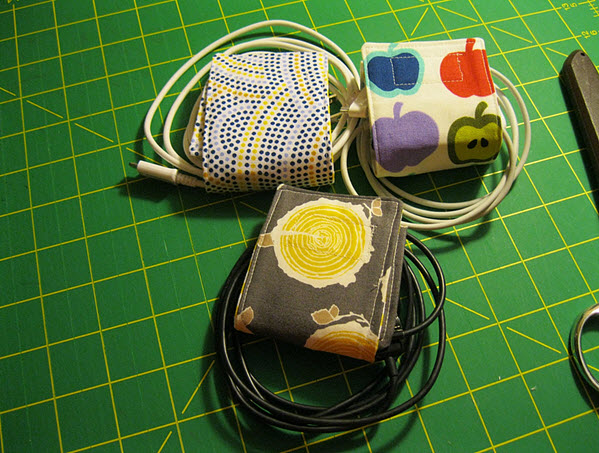 cord-holder-from-fabric-scraps-tutorial