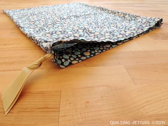 Simple Drawstring Bag - Giveaway!