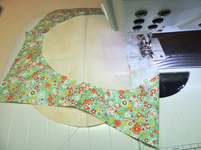 Sewing Full Circles: Placing on Machine