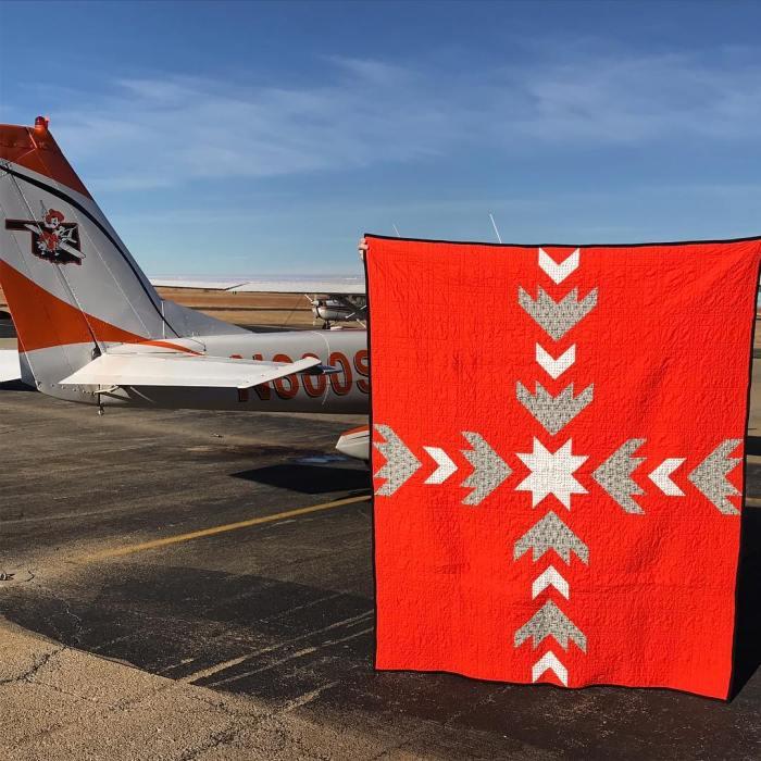 Elise @redbeanrambling's Flight Path College Graduation Quilt