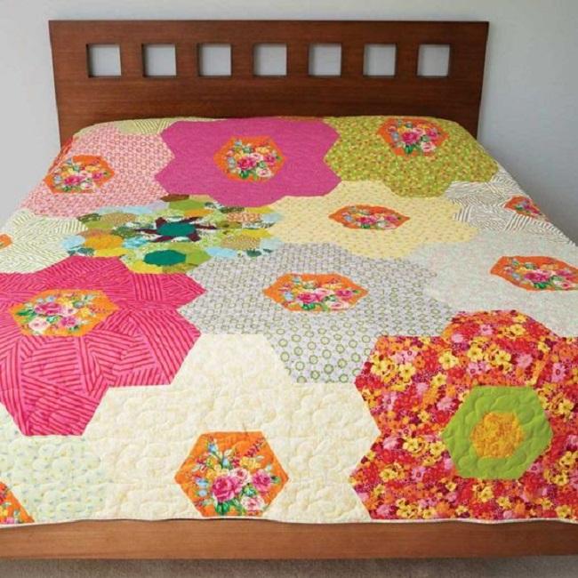 Monsterz Sized Hexagon Quilt free pattern Monsterz Sized Hexagon Quilt free pattern