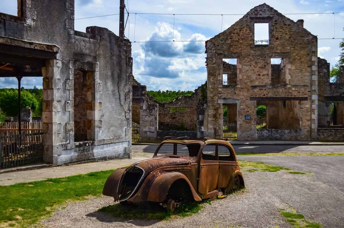 This car was driven into town by Doctor Jacques Desourteaux . Visit Oradour sur Glane