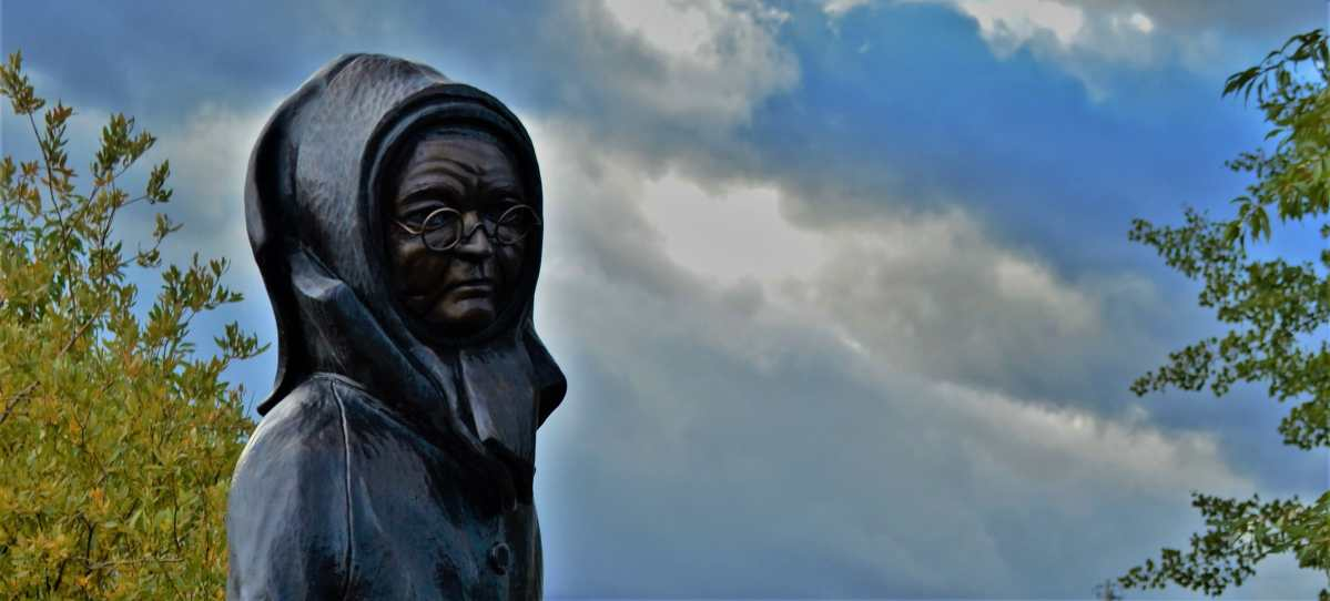 Statue of Doc Susie in Fraser Colorado