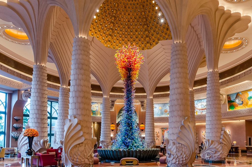 PhotoPOSTcard: A Date With Chihuly in Dubai