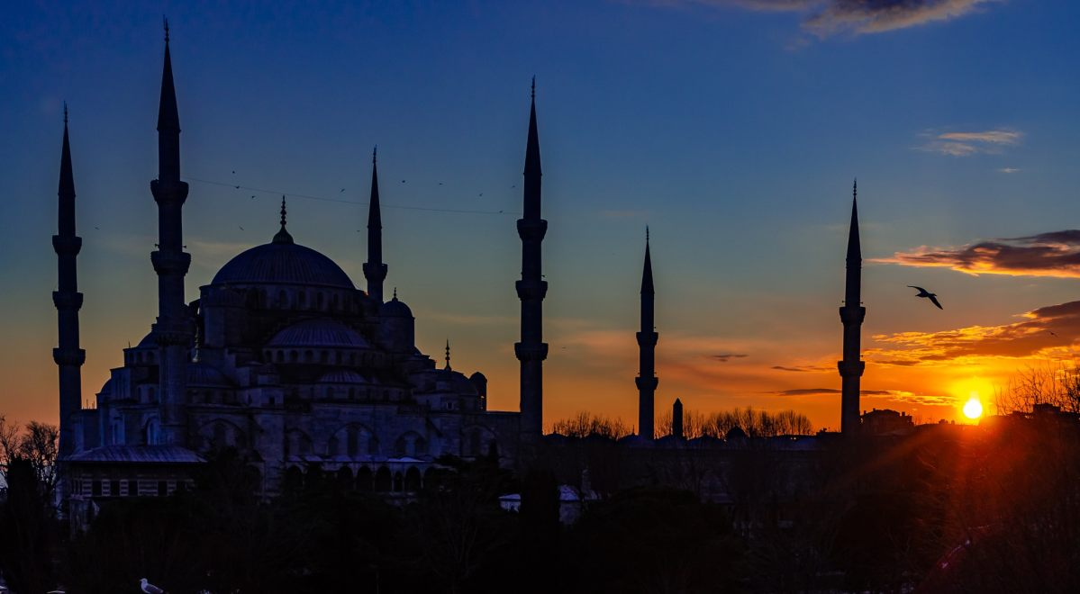 PhotoPOSTcard: Istanbul's Blue Mosque at Sunset