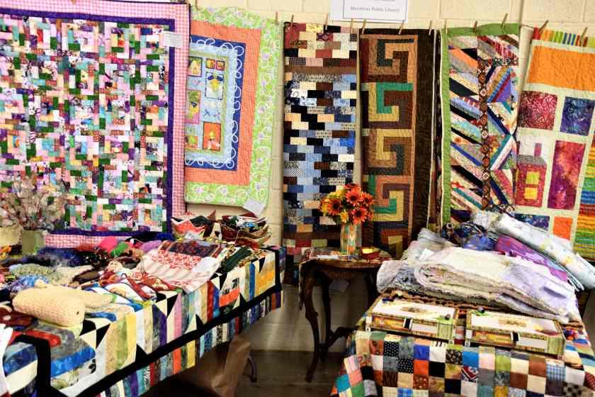 Quilts for sale at the Marathon Quilt show