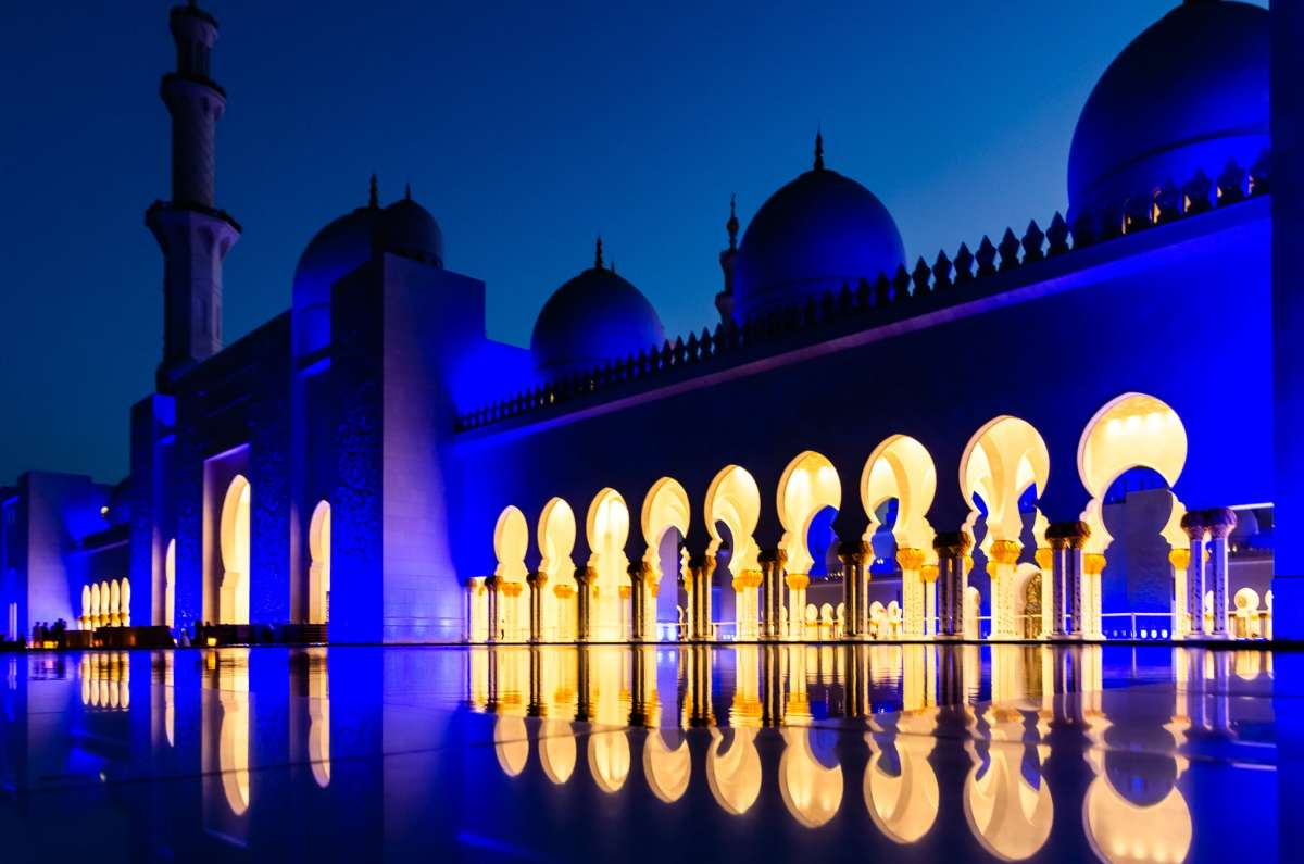 Abu Dabi's Sheikh Zayed Mosques glows in the evening light