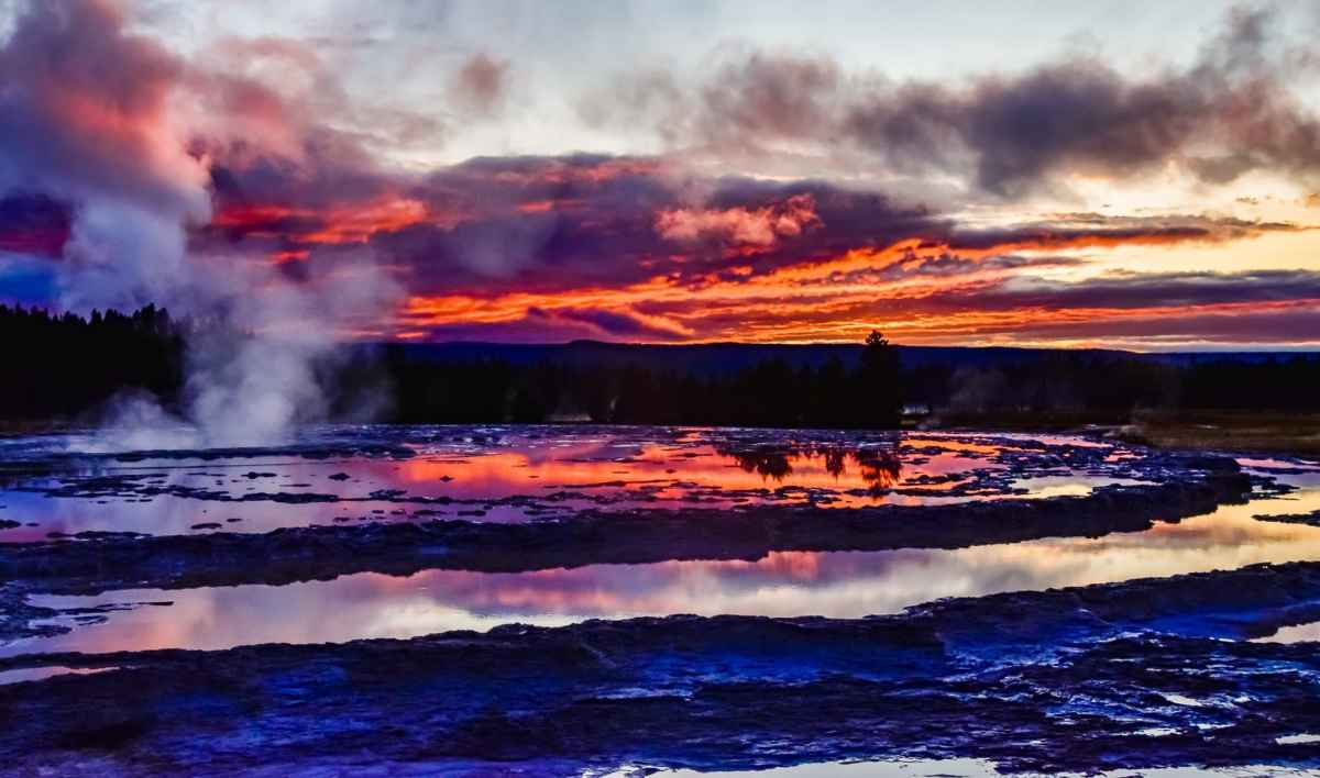 Yellowstone Great Fountain Geyser sunset