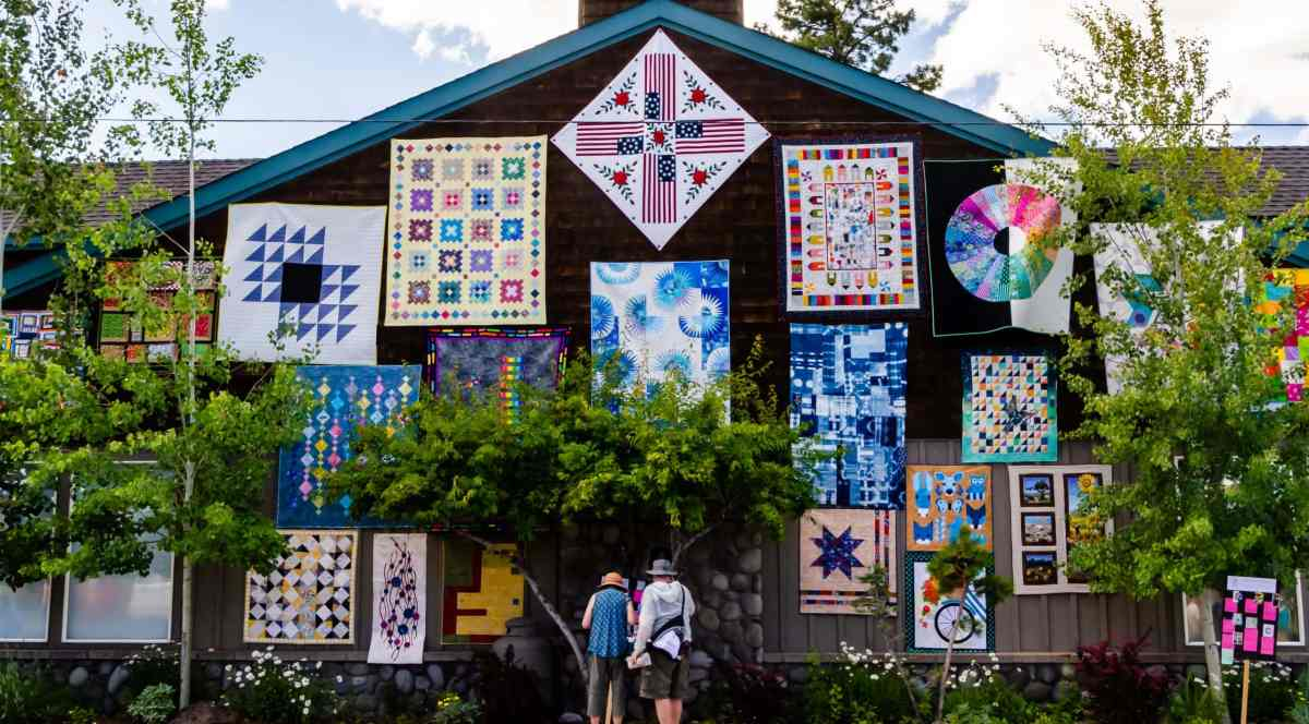 Tips for Seeing the Sisters Quilt Show