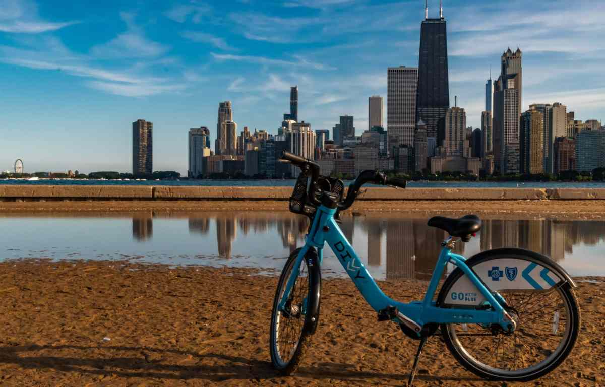 Biking along Chicago's lakeshore