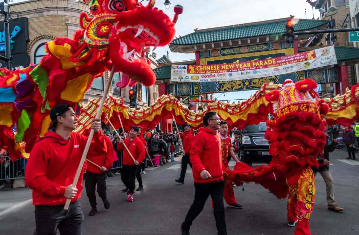 CHICAGO CHINESE NEW YEAR PARADE