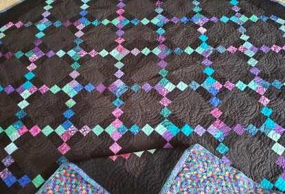irish chain quilt, Black quilt