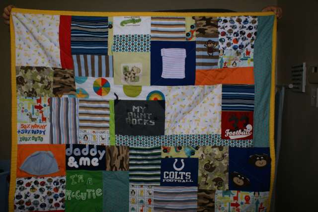 Baby Clothes Memory quilt