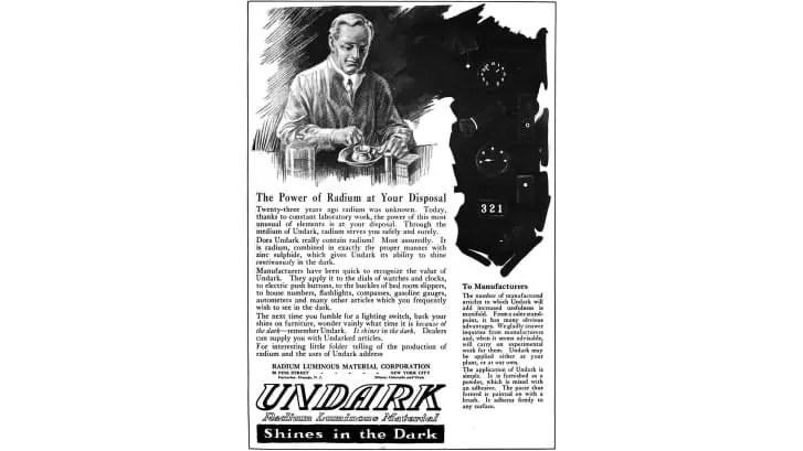 Un anuncio de 1921 para Undark, una pintura luminosa de radio.