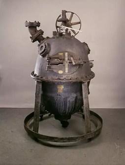 El Baquelizador, un recipiente de presión de vapor usado por Leo Hendrik Baekeland para comercializar su descubrimiento de la Baquelita - el primer plástico completamente sintético del mundo.