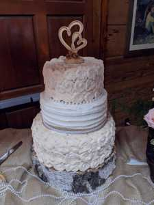 Pearls And Lace Burlap Wedding Cake At Greenhorn Guest Ranch 2018