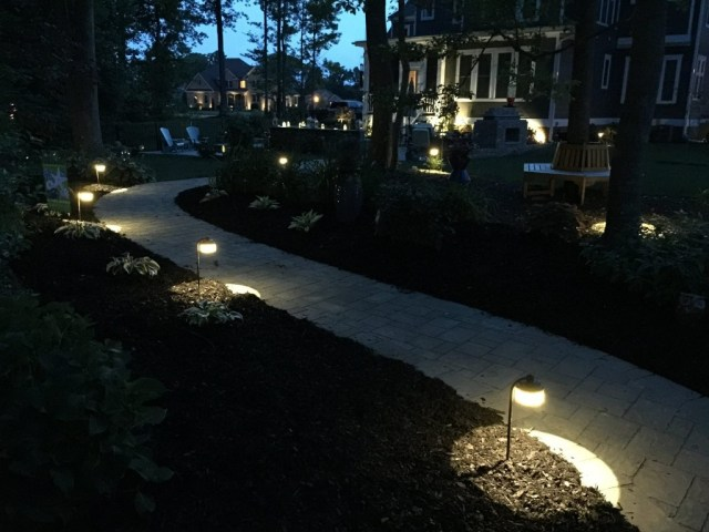 Outdoor Lighting - Path Lights - quinju.com