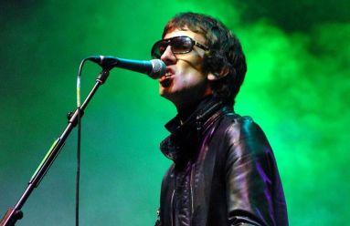 Nascido na cidade de Wigan, Ashcroft tem 47 anos e é um dos principais nomes de sua geração, ao lado de Noel Gallagher.