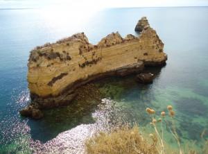 Entre a Praia do Pinhãoda e a Praia de Dona Ana