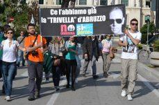 12mila per la questura, 40 mila per gli organizzatori, i numeri della manifestazione di Pescara contro il progetto petrolio