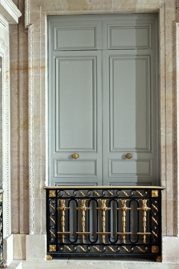 The Discreet Charm Of The Petit Trianon Quintessence