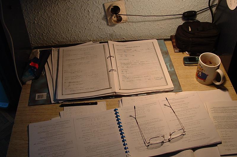 studying-1442091