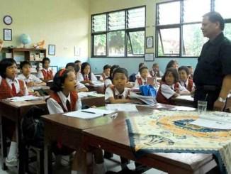 Asyiknya Bekerja sebagai Guru Setelah Lulus dari UMN