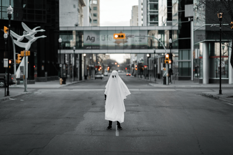 ghosting adalah