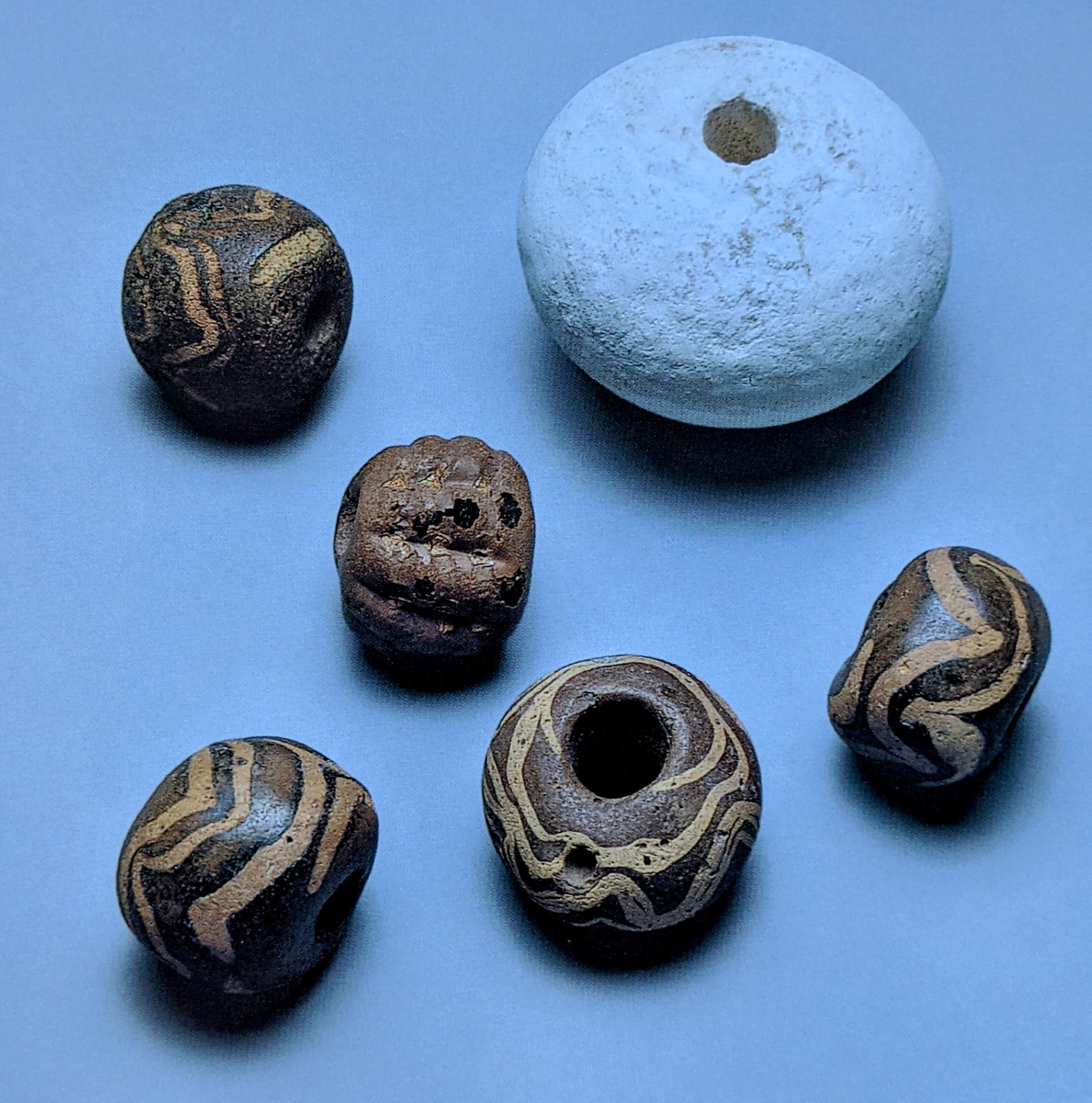 5 beads