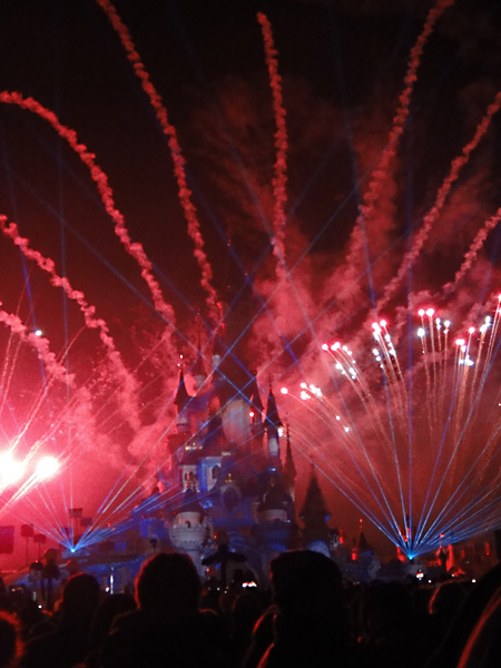 new-year-firework-display-disneyland-paris