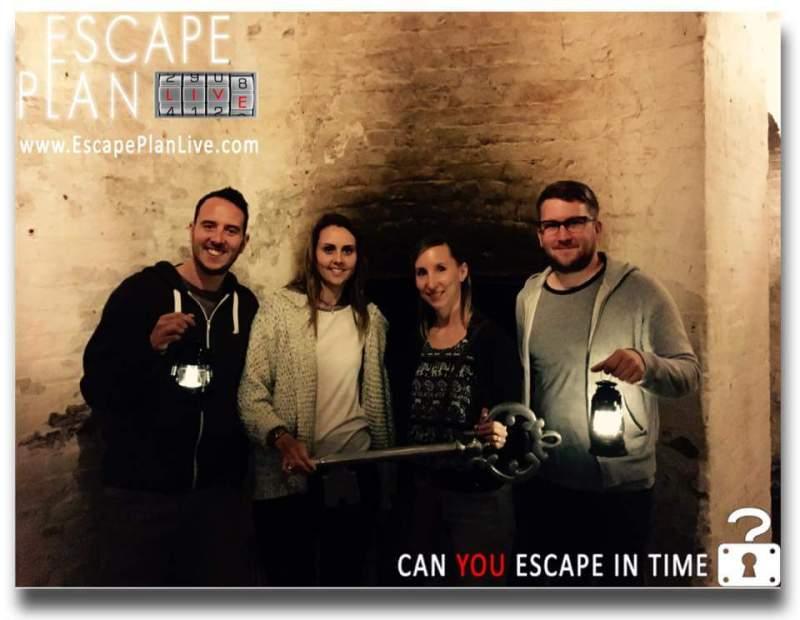 Escape Plan - An alphabet dating idea for E